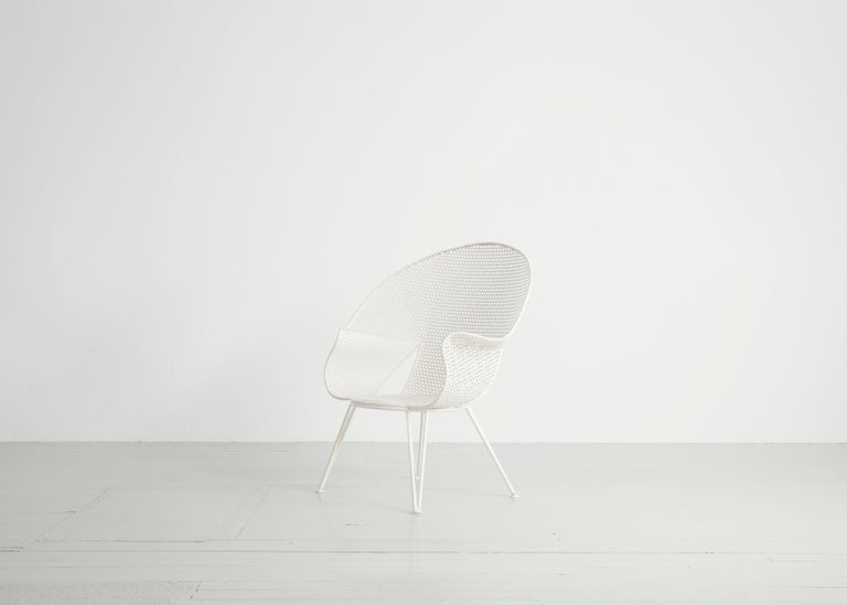 Set of Three White Garden Chairs and a Fitting Side Table from Italy, 1950 For Sale 7