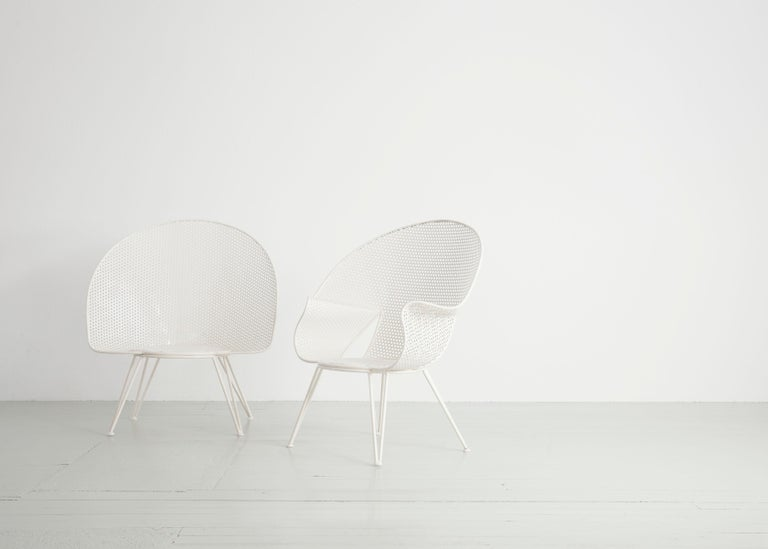 Set of Three White Garden Chairs and a Fitting Side Table from Italy, 1950 For Sale 8