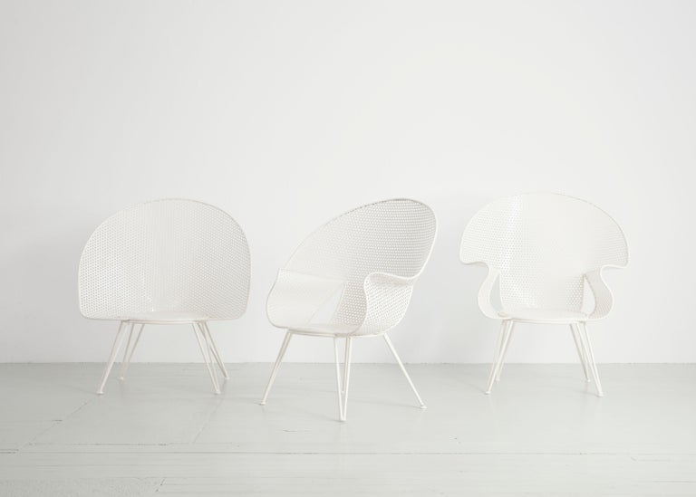 Set of Three White Garden Chairs and a Fitting Side Table from Italy, 1950 For Sale 9