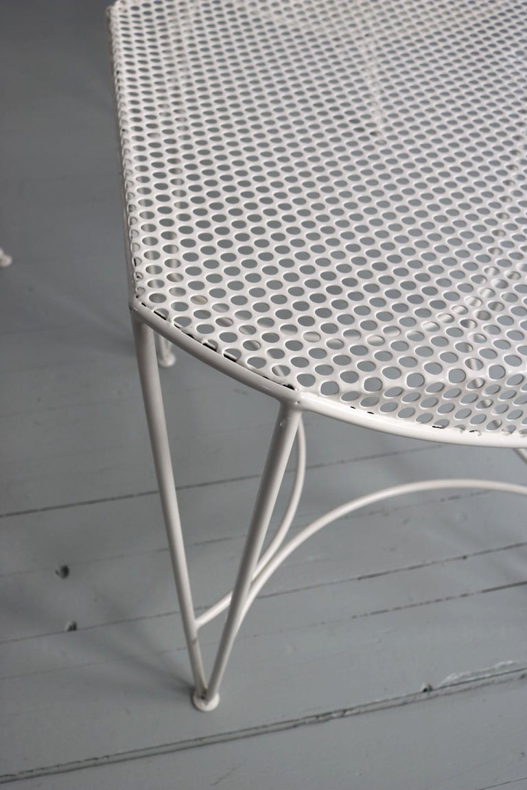 Set of Three White Garden Chairs and a Fitting Side Table from Italy, 1950 For Sale 10