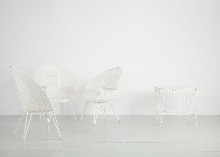 Mid-Century Modern Set of Three White Garden Chairs and a Fitting Side Table from Italy, 1950 For Sale
