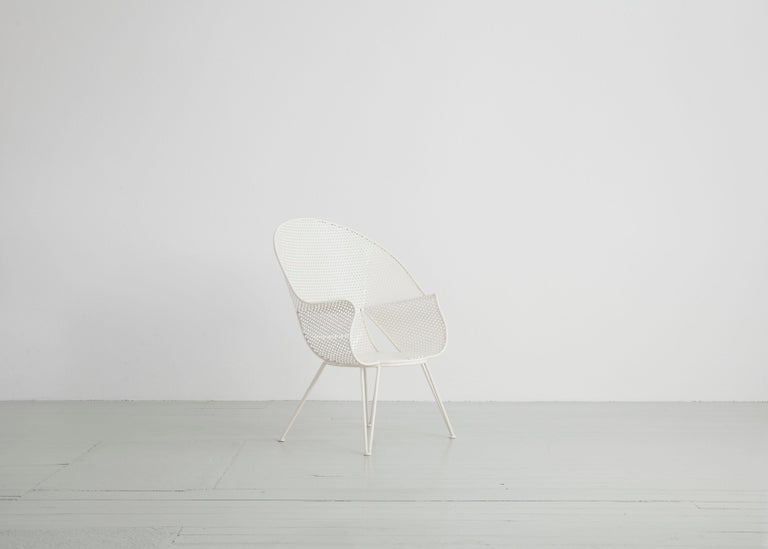 Mid-20th Century Set of Three White Garden Chairs and a Fitting Side Table from Italy, 1950 For Sale