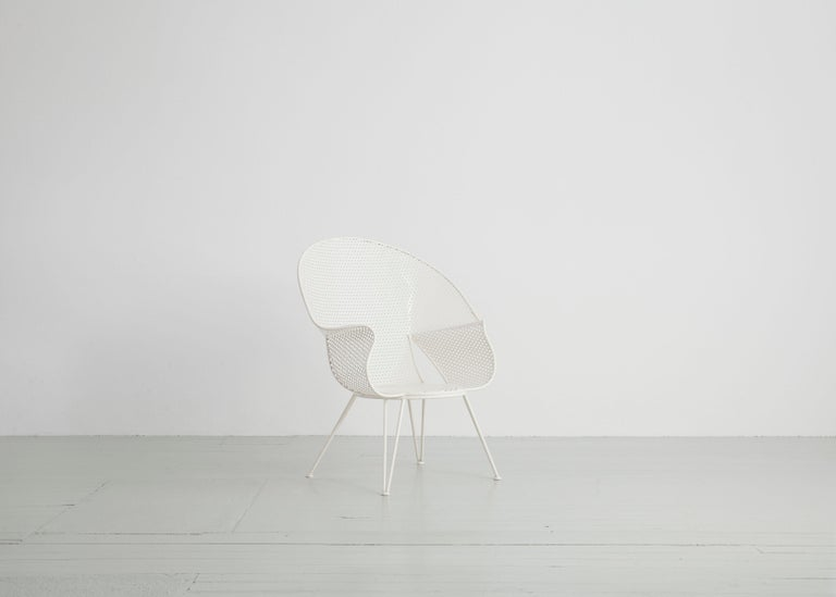 Steel Set of Three White Garden Chairs and a Fitting Side Table from Italy, 1950 For Sale