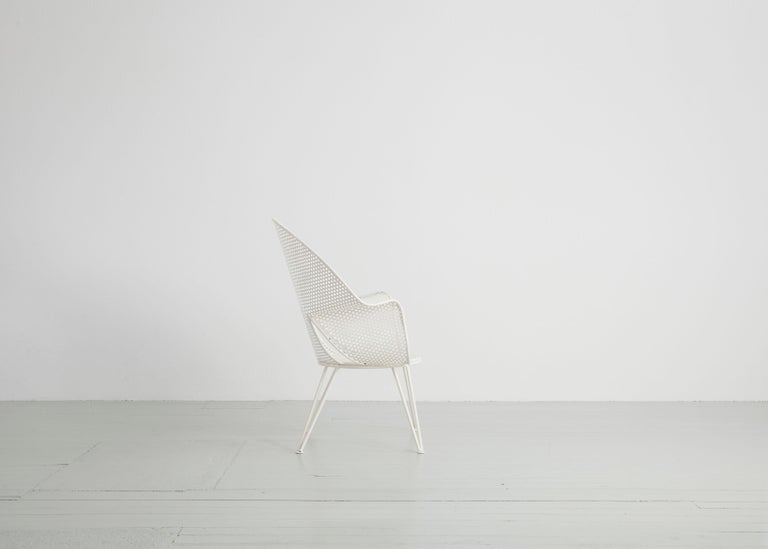 Set of Three White Garden Chairs and a Fitting Side Table from Italy, 1950 For Sale 1