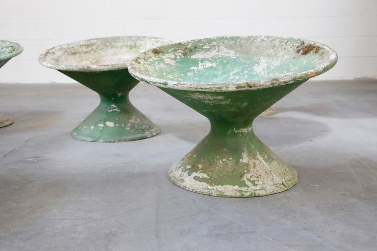 Set of Three Willy Guhl for Eternit Tilted Concrete Planters, circa 1968 For Sale 12