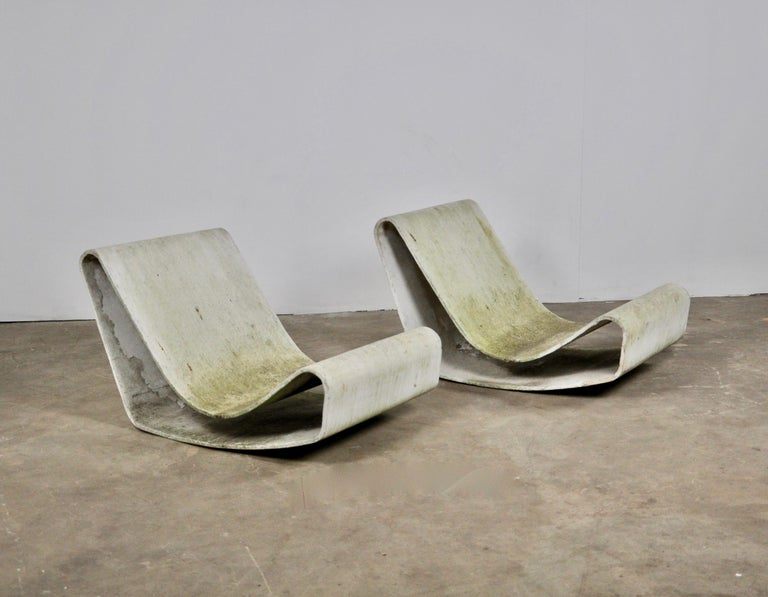 Set of Three Willy Guhl Loop Chairs on Concrete Pedestals For Sale 4