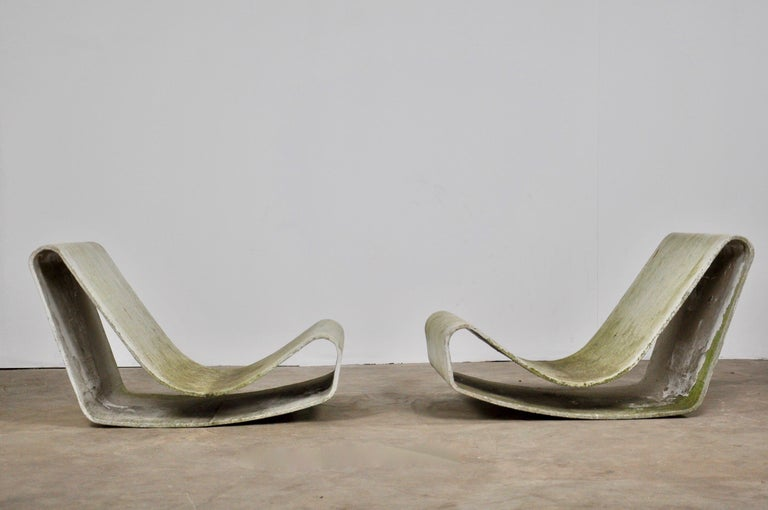 Set of Three Willy Guhl Loop Chairs on Concrete Pedestals For Sale 8