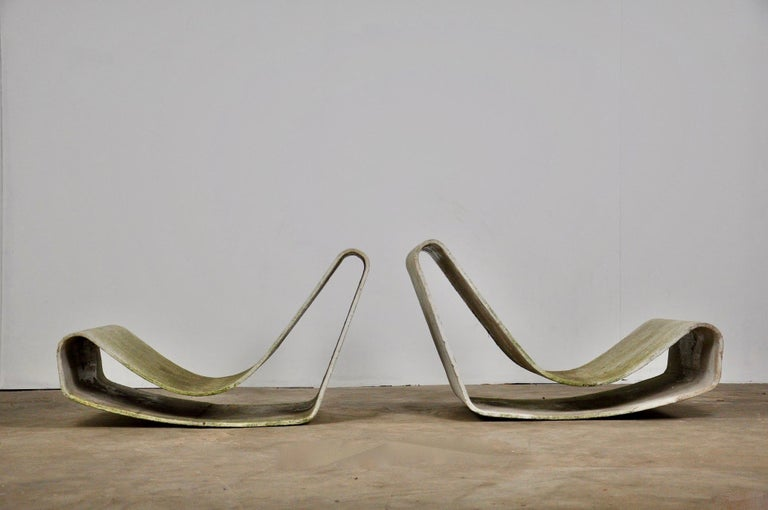 Set of Three Willy Guhl Loop Chairs on Concrete Pedestals For Sale 10