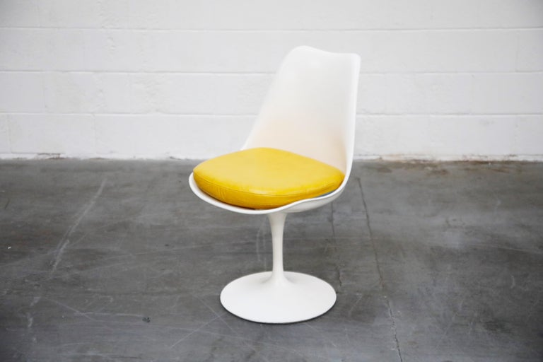 Set of Tulip Dining Side Chairs by Eero Saarinen for Knoll International, Signed For Sale 2