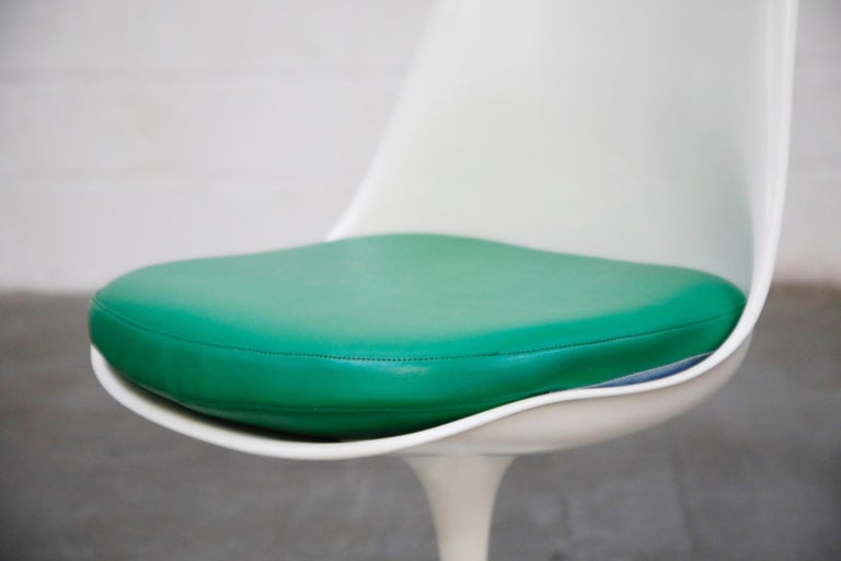 Set of Tulip Dining Side Chairs by Eero Saarinen for Knoll International, Signed For Sale 6