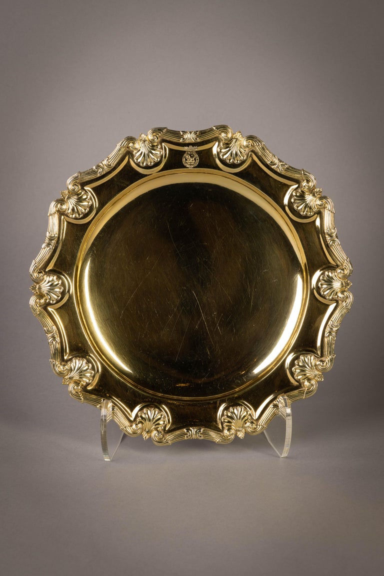With the Royal Badge of George III. Marked: London, 1808. Maker: Robert and Samuel Hennell.