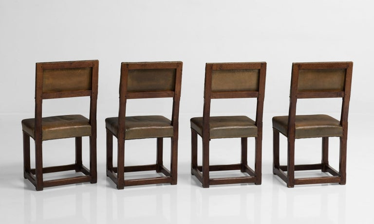 Set of Twelve Gothic Oak Dining Chairs, England, circa 1880 In Good Condition For Sale In Culver City, CA