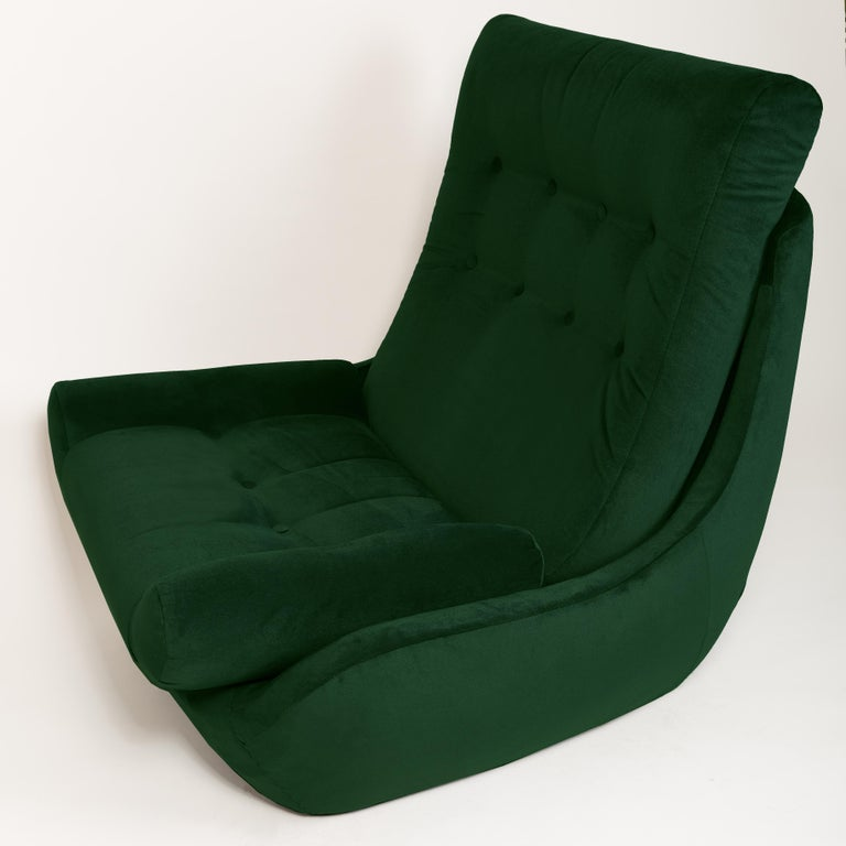 Polish Set of Two 20th Century Vintage Green Velvet Giant Atlantis Armchairs, 1960s For Sale