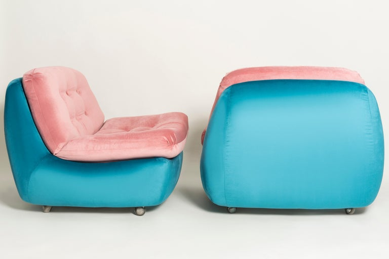 Hand-Crafted Set of Two 20th Century Vintage Pink and Blue Atlantis Armchairs, 1960s For Sale