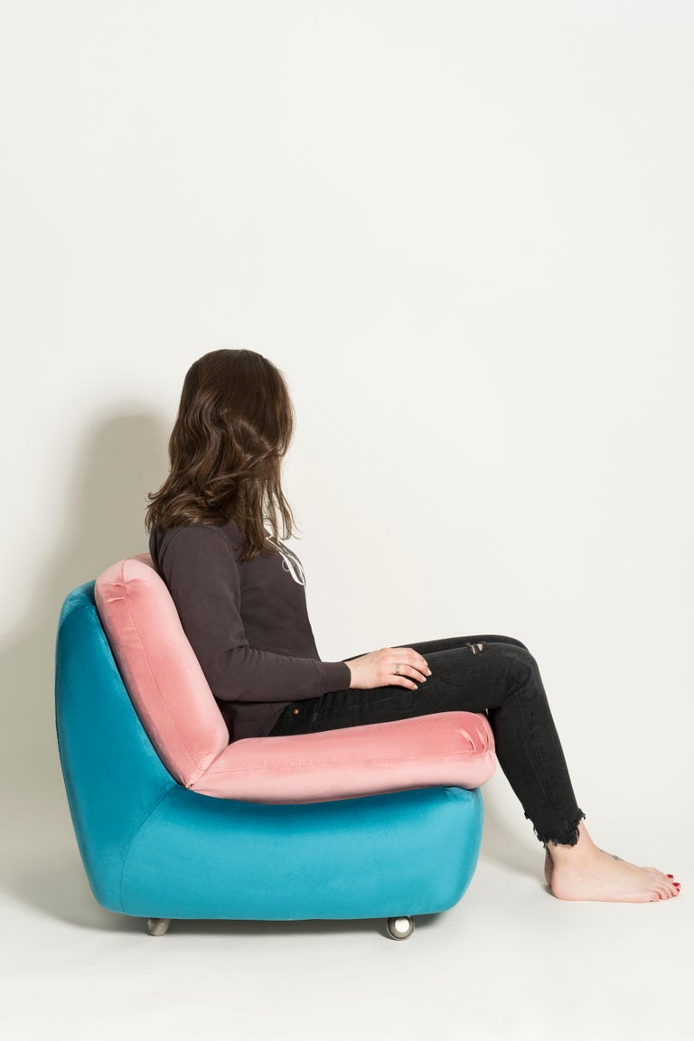 Set of Two 20th Century Vintage Pink and Blue Atlantis Armchairs, 1960s For Sale 2