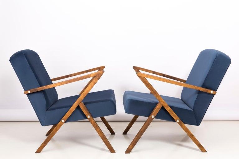 Mid-Century Modern Set of Two 20th Century Zet Armchairs, Navy Velvet, 1970s, Poland For Sale