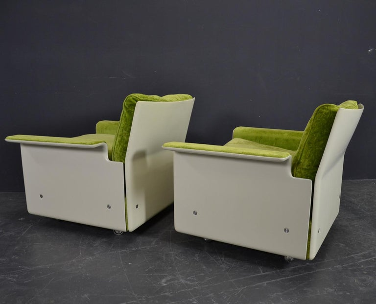 Swiss Set of Two 620 Easy Chairs by Dieter Rams for Vitsoe For Sale