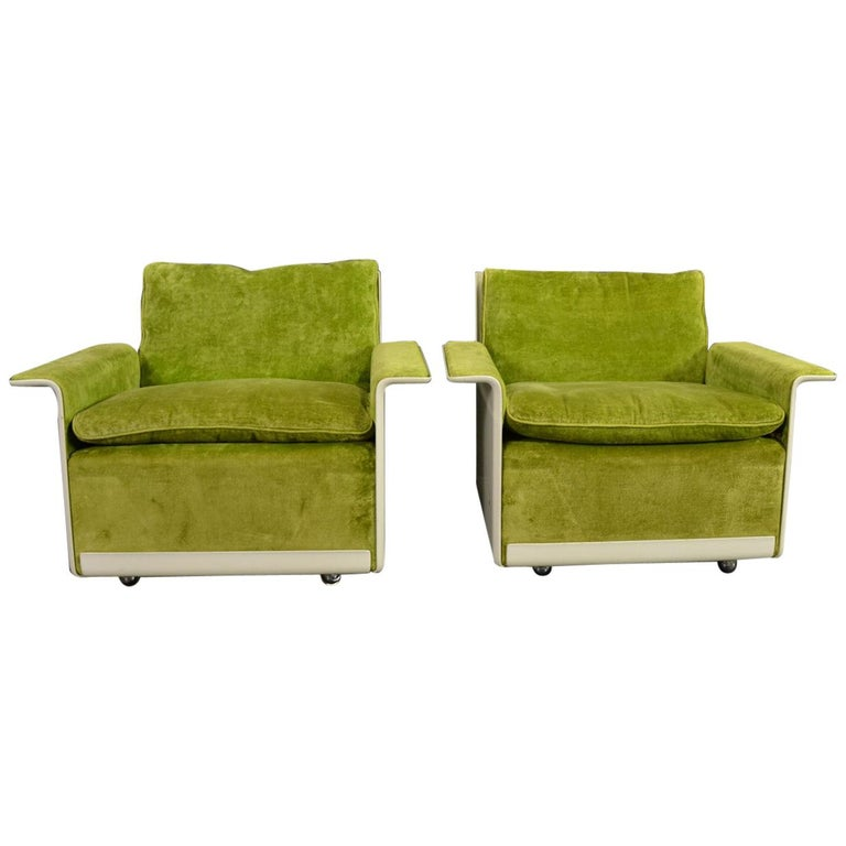 Set of Two 620 Easy Chairs by Dieter Rams for Vitsoe For Sale