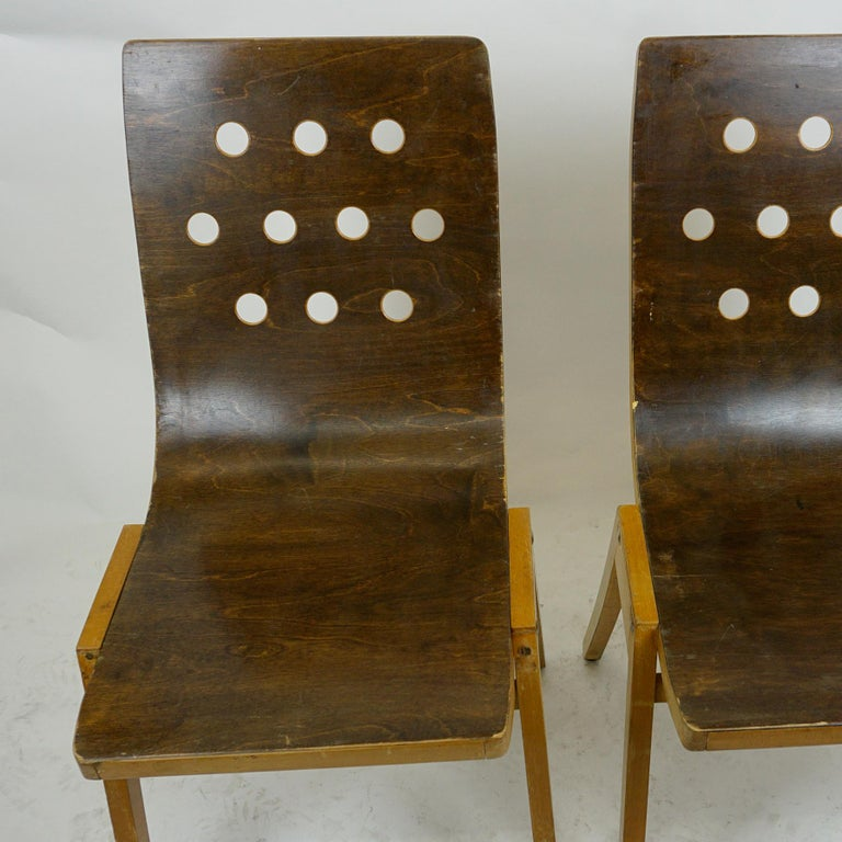 Set of Two Austrian Midcentury Beech Stacking Chairs by Roland Rainer For Sale 6