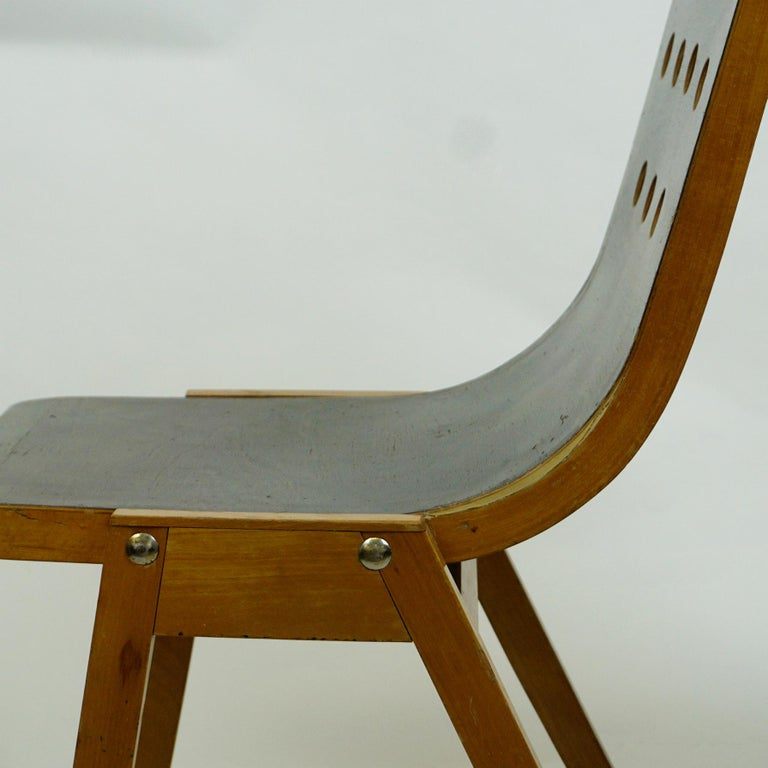 Set of Two Austrian Midcentury Beech Stacking Chairs by Roland Rainer For Sale 7