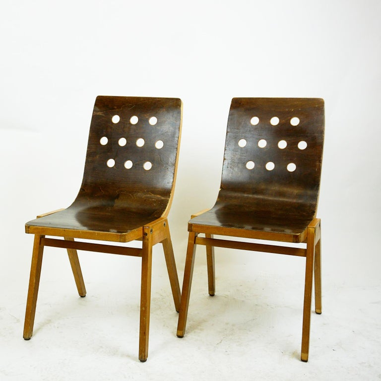 Set of Two Austrian Midcentury Beech Stacking Chairs by Roland Rainer In Good Condition For Sale In Vienna, AT