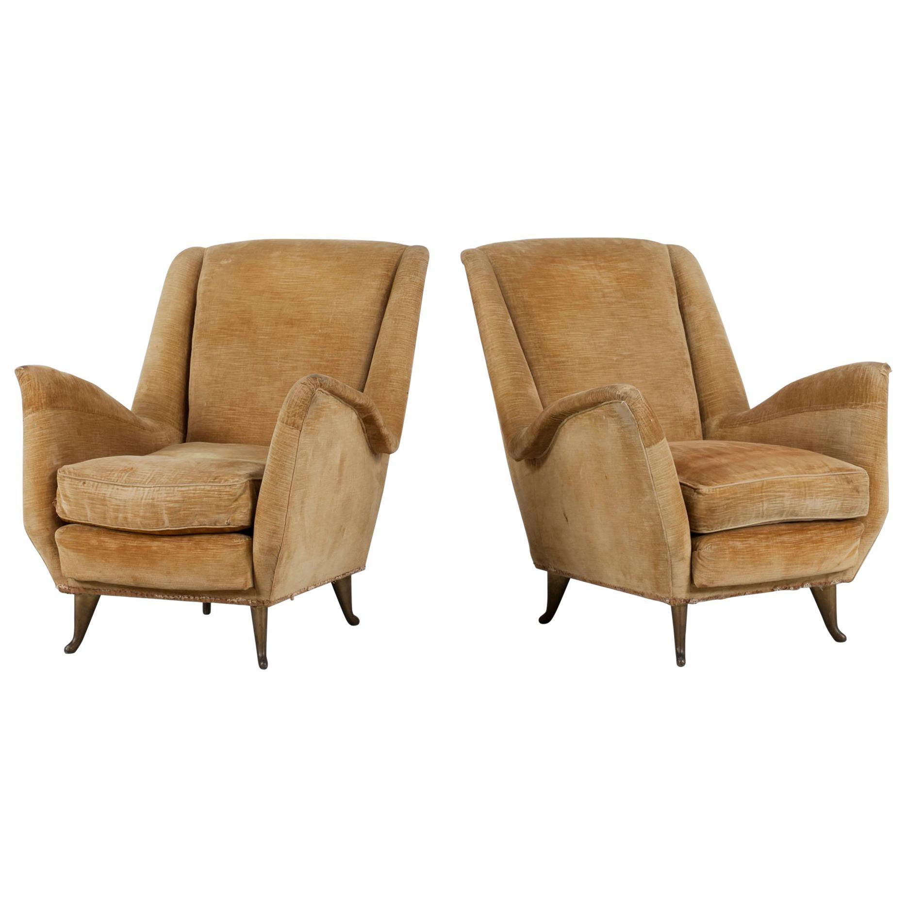 I. S. A. Bergamo Italian Set of Two Cream Coloured Wingback Chairs, 1950s
