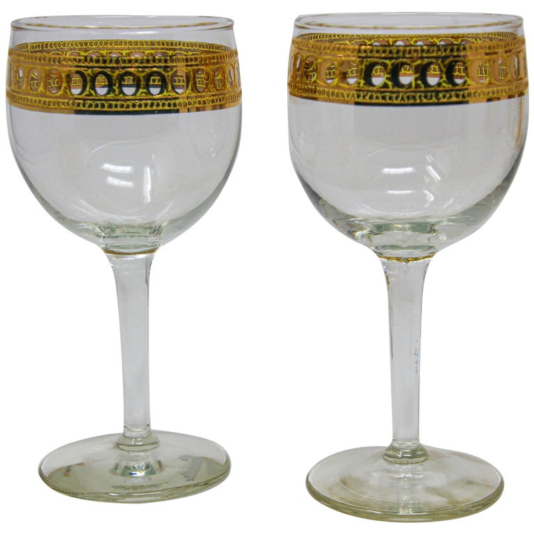 Set of Two Vintage Culver Wine Glasses with 22-Karat Gold Antigua Pattern For Sale