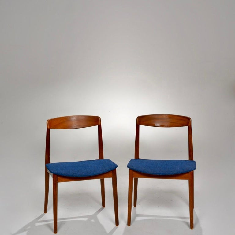 Set of Two Curved Back Danish Teak Dining Chairs For Sale 1