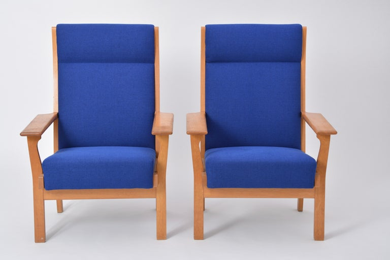 20th Century Set of Two Danish Mid-Century Modern GE 181 a Chairs by Hans Wegner for GETAMA For Sale