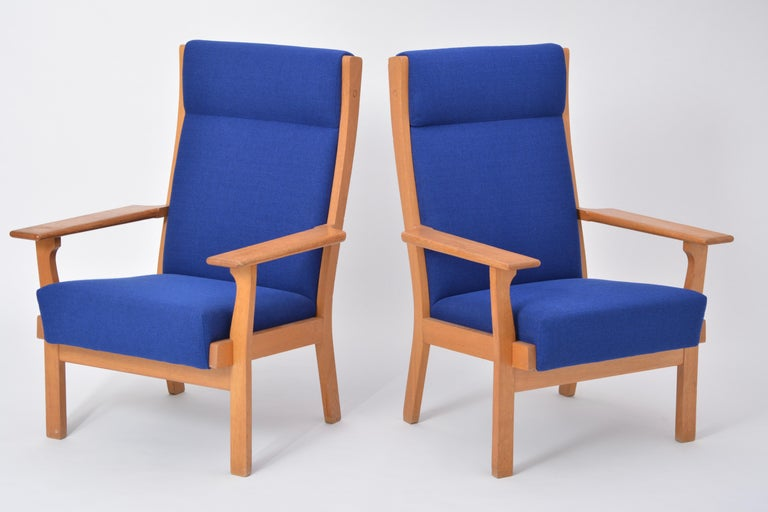 Set of Two Danish Mid-Century Modern GE 181 a Chairs by Hans Wegner for GETAMA For Sale 2