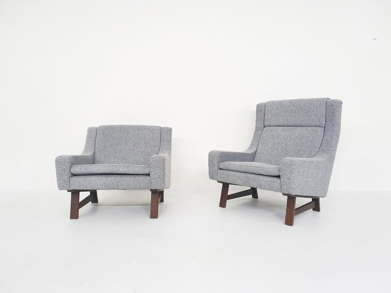 A beautiful set of lounge chairs probably made in Scandanavia or the Netherlands. The set consists of ahigh