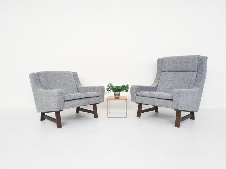 Mid-Century Modern Set of Two Dutch or Scandinavian Design Lounge Chairs with Wenge Feet, 1950s For Sale