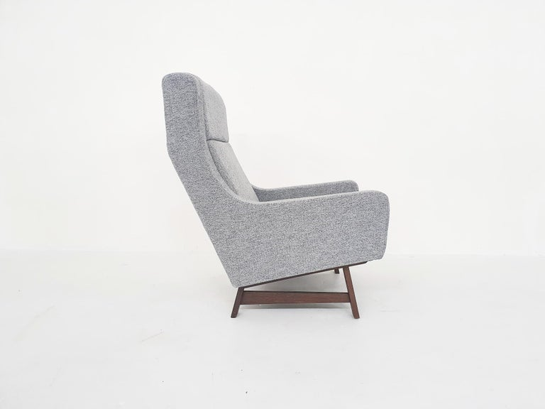 Set of Two Dutch or Scandinavian Design Lounge Chairs with Wenge Feet, 1950s For Sale 3