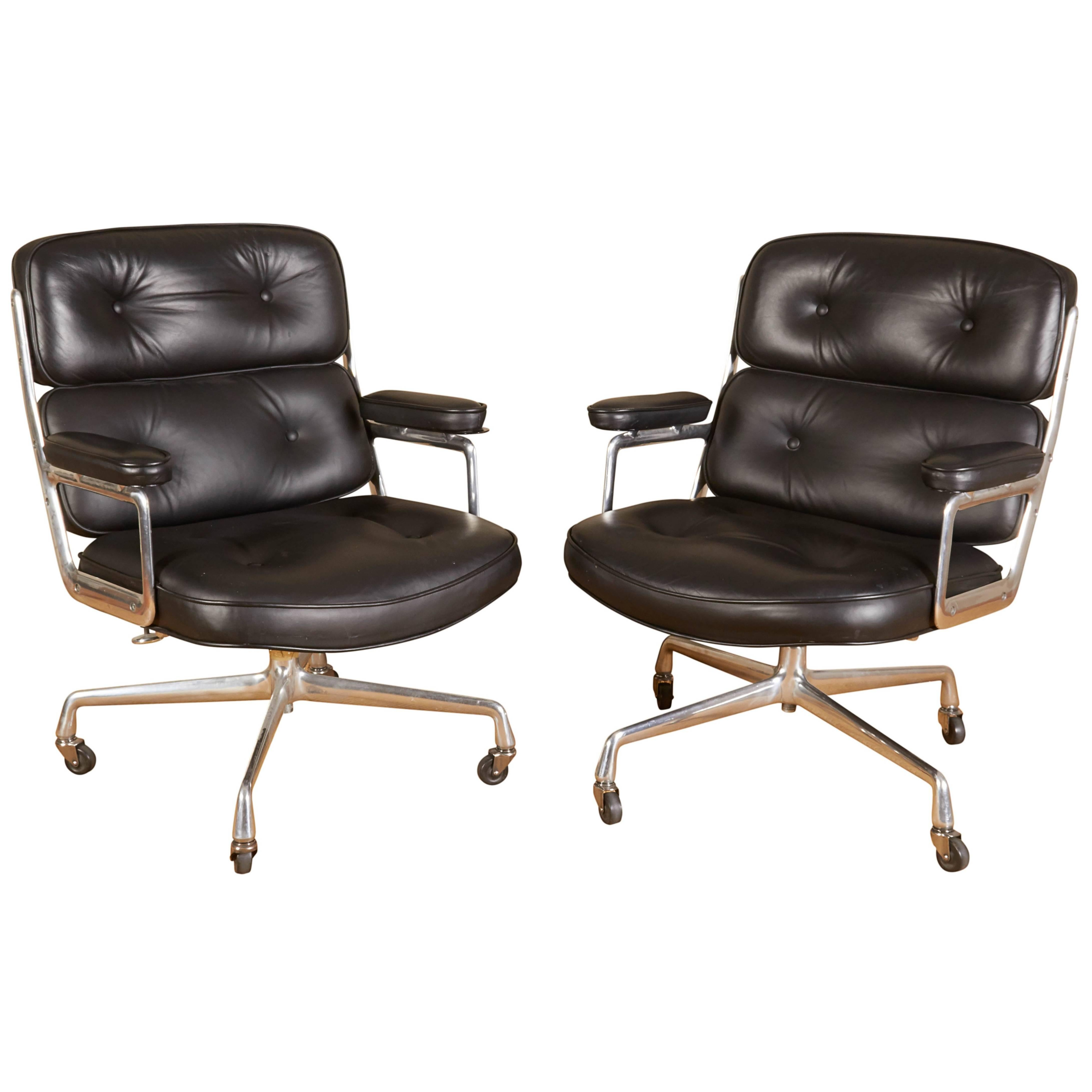 Set Of Two Eames U0027Time Lifeu0027 Executive Chairs For Herman Miller ...