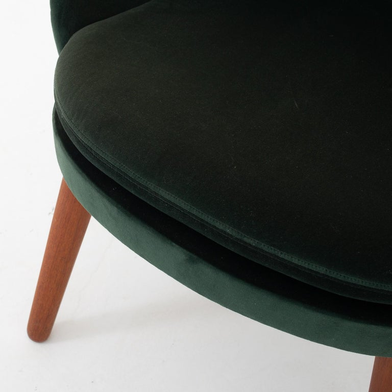 Danish Set of Two Easy Chairs by Ejvind A. Johansson For Sale