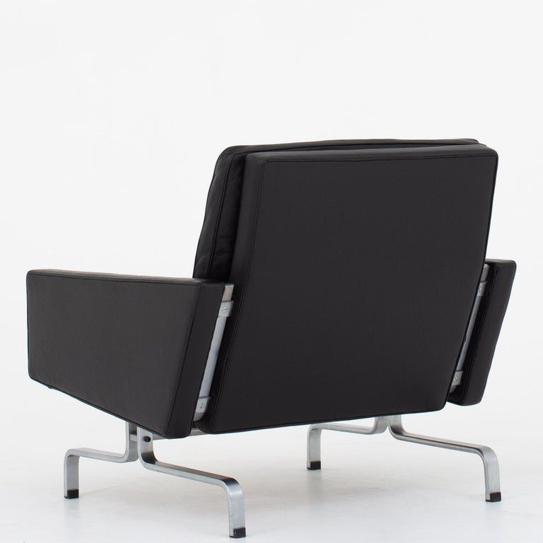 Scandinavian Modern Set of Two Easy Chairs by Poul Kjærholm For Sale