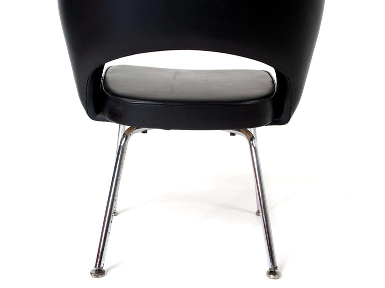 Set of Two Eero Saarinen Exectuvie Chairs with Armrests for Knoll De Coene For Sale 3