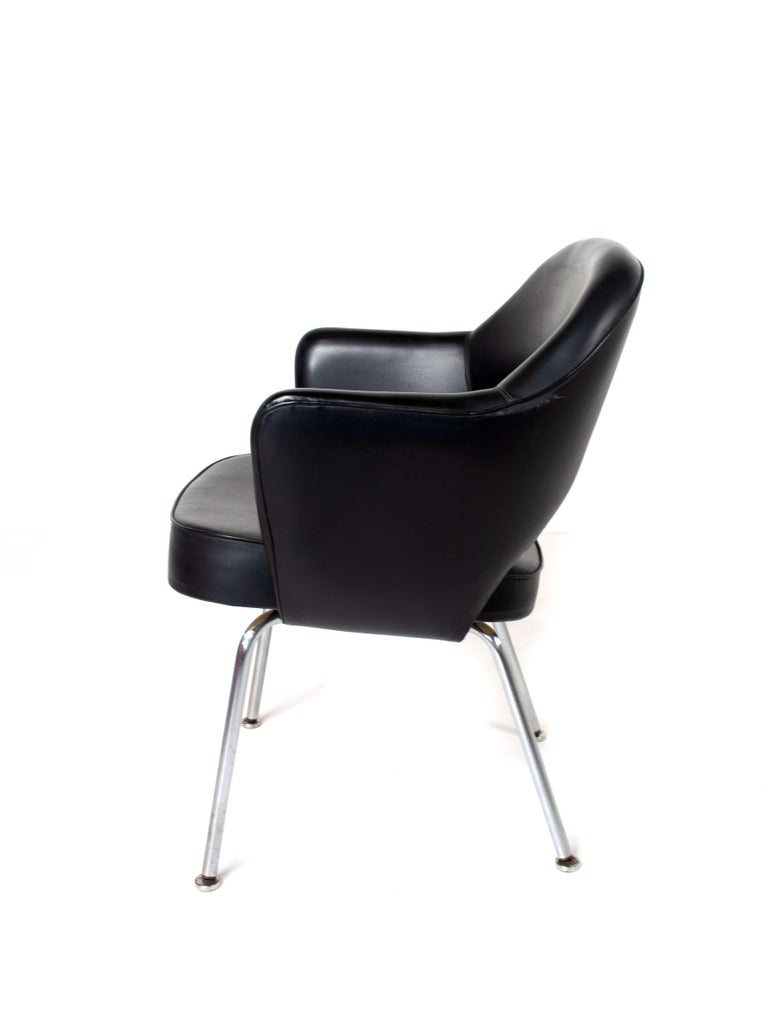 Set of Two Eero Saarinen Exectuvie Chairs with Armrests for Knoll De Coene For Sale 6