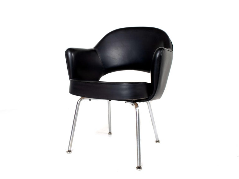 Set of Two Eero Saarinen Exectuvie Chairs with Armrests for Knoll De Coene For Sale 7