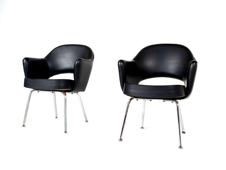Belgian Set of Two Eero Saarinen Exectuvie Chairs with Armrests for Knoll De Coene For Sale