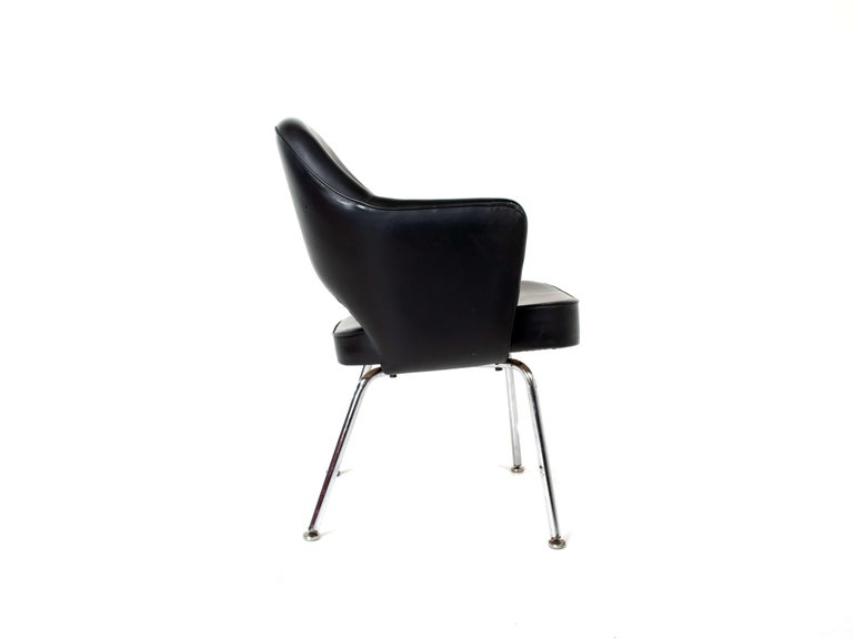 Set of Two Eero Saarinen Exectuvie Chairs with Armrests for Knoll De Coene For Sale 1
