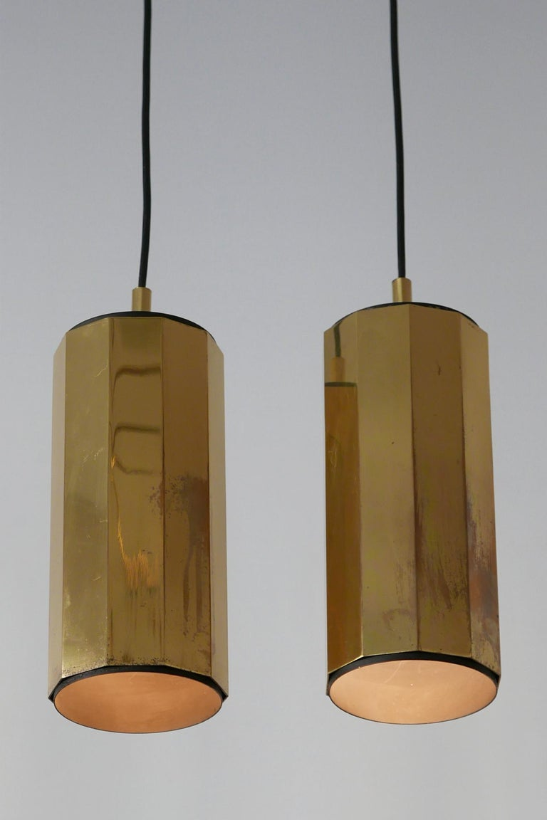 Set of Two Exceptional Mid-Century Modern Decagonal Brass Pendant Lamps, 1960s For Sale 5