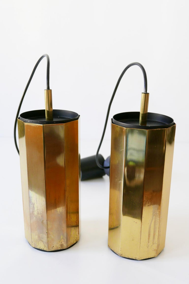 Set of Two Exceptional Mid-Century Modern Decagonal Brass Pendant Lamps, 1960s For Sale 7