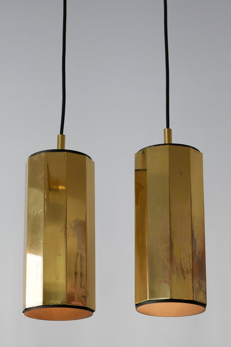 Polished Set of Two Exceptional Mid-Century Modern Decagonal Brass Pendant Lamps, 1960s For Sale