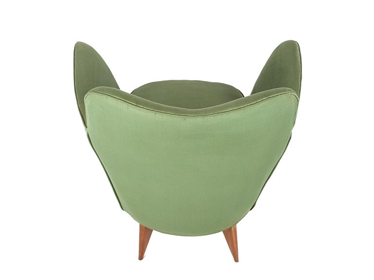 Set of Two Green Fabric and Wood 1950s Perla Armchairs with Sofa by G. Veronesi For Sale 9