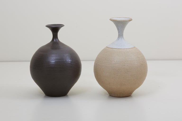 Mid-Century Modern Set of Two Huge Bob Kinzie Stoneware Studio Pottery Vases, US, 1970s For Sale