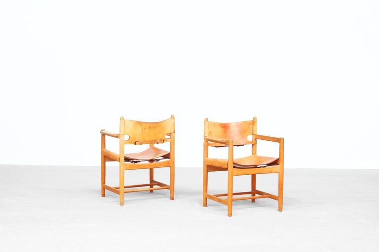 Danish Set of Two Hunting Dining Chairs 3238 by Børge Mogensen for Fredericia Denmark For Sale