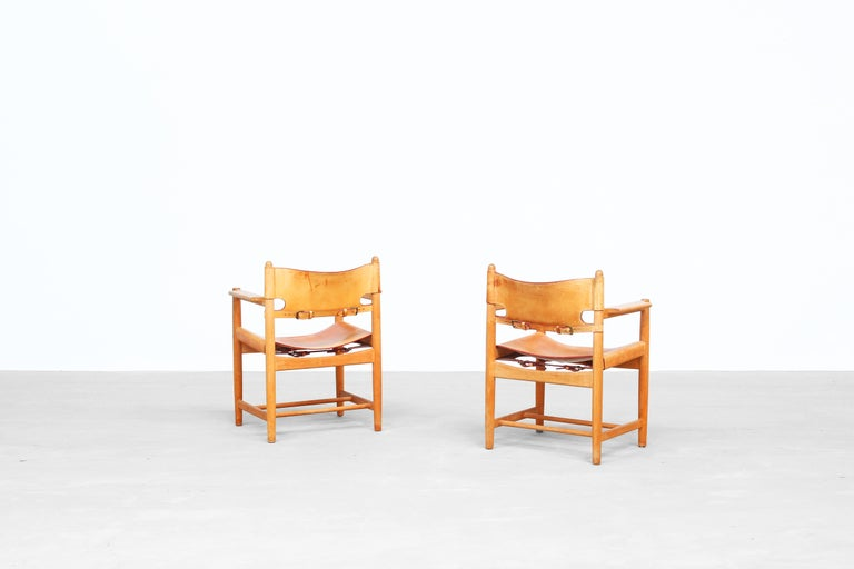 Set of Two Hunting Dining Chairs 3238 by Børge Mogensen for Fredericia Denmark In Good Condition For Sale In Berlin, DE