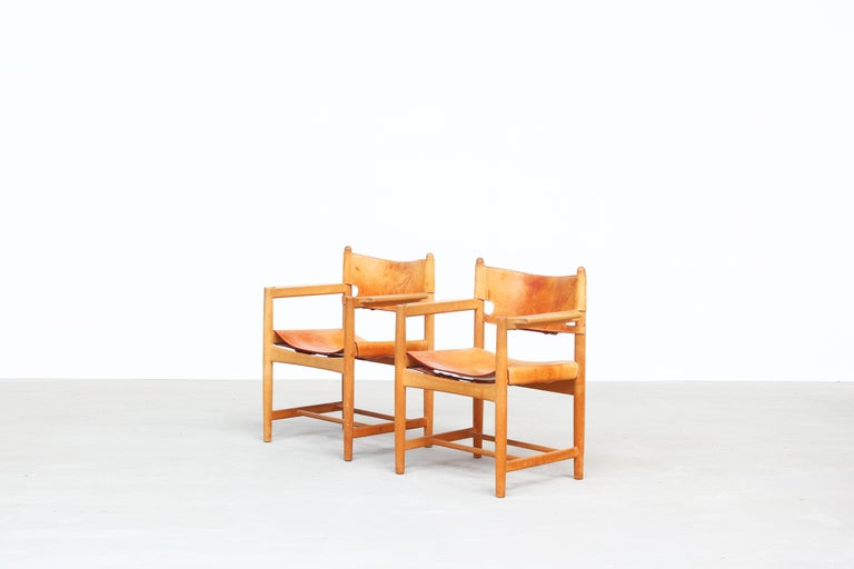 20th Century Set of Two Hunting Dining Chairs 3238 by Børge Mogensen for Fredericia Denmark For Sale