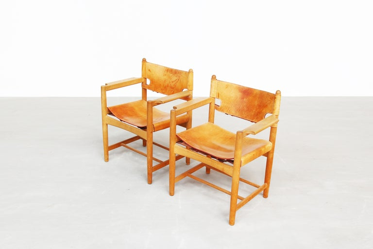 Set of Two Hunting Dining Chairs 3238 by Børge Mogensen for Fredericia Denmark For Sale 2